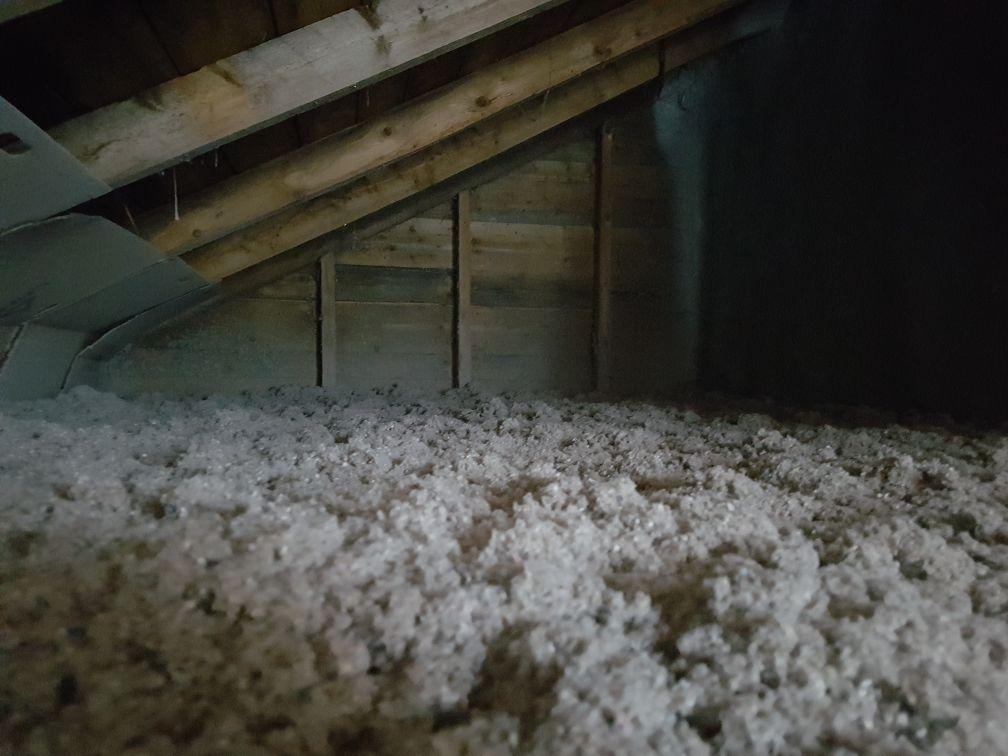 laine soufflée dans entretoit